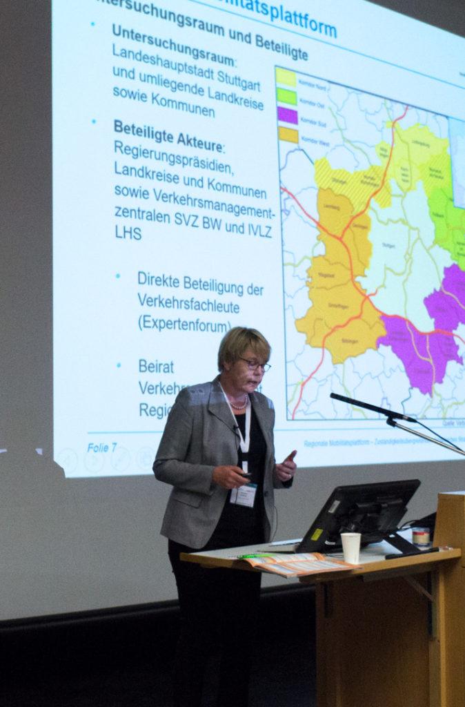 Anette Albers spricht über die Regionale Mobilitätsplattform Stuttgart