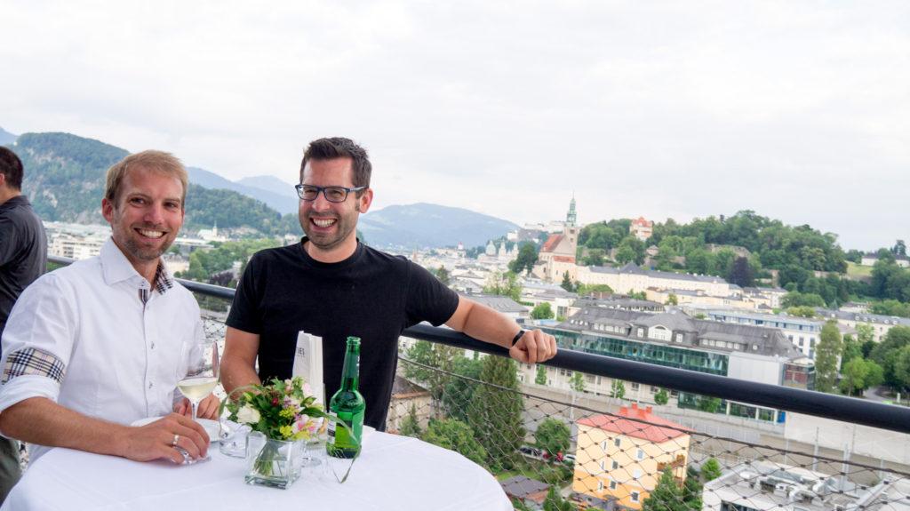 Martin Loidl (Z_Gis) und Bernhard Reich (Salk) vor der Salzburger Altstadt