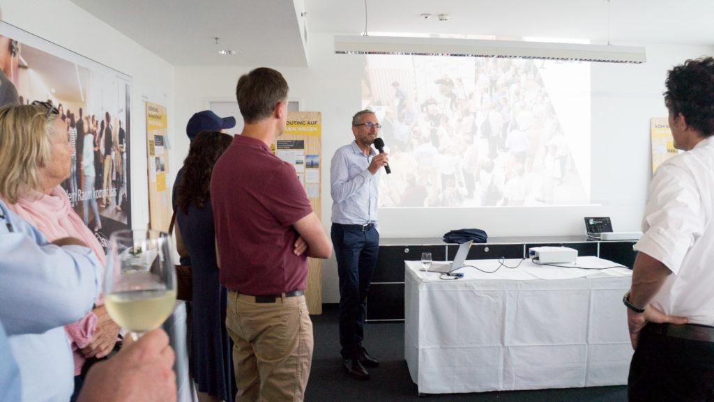 Dr. Stefan Krampe erzählt von der Firmengeschichte